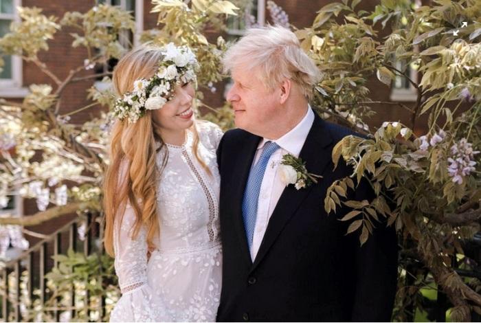Свадьба Кэрри Саймондс и Бориса Джонсона. / Фото: Rebecca Fulton/Pool/Reuters