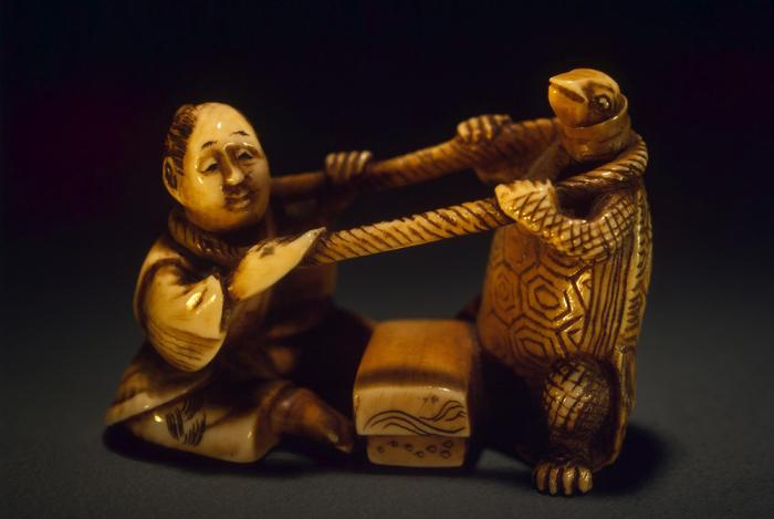 Нэцкэ «Урасима Таро и черепаха». / Фото: hermitagemuseum.org