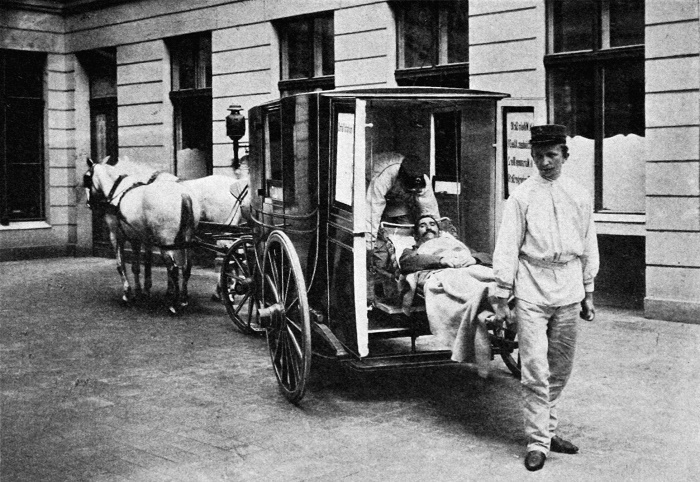 Карета скорой помощи в Берлине, 1892 год / Источник: pinterest.com