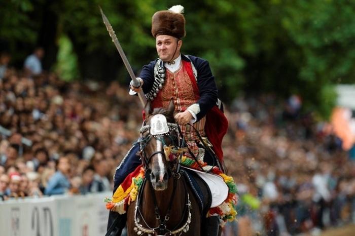 «Синьска Алка» – традиционный красочный рыцарский турнир / Фото: www.glasistre.hr