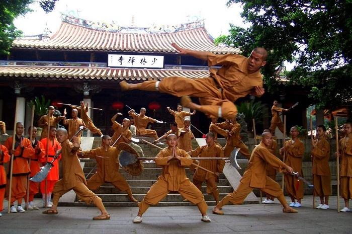 Фрагмент боевого шоу в монастыре Шаолинь / Фото: youtube.com