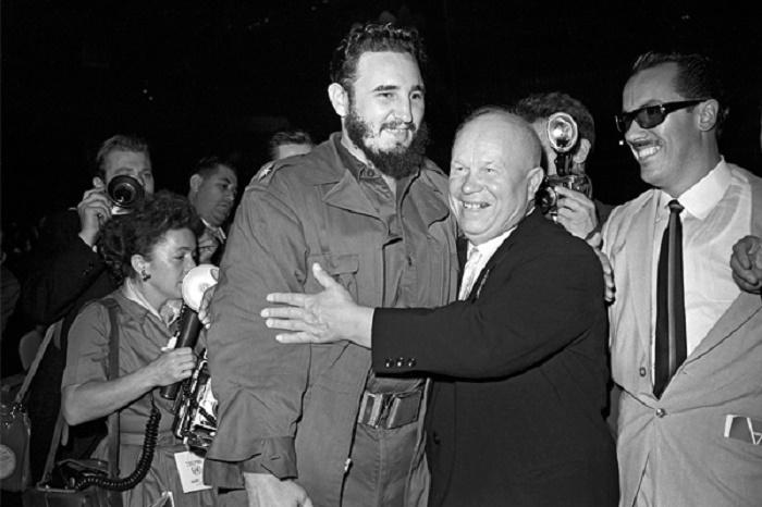 Фидель Кастро и Никита Хрущев / Источник: interfax.ru