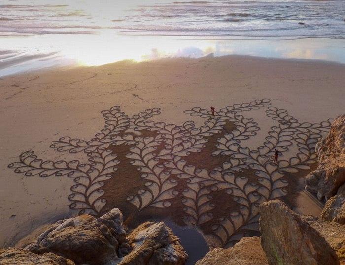 Картины на песке от Andres Amador / Фото: www.kudatotam.ru