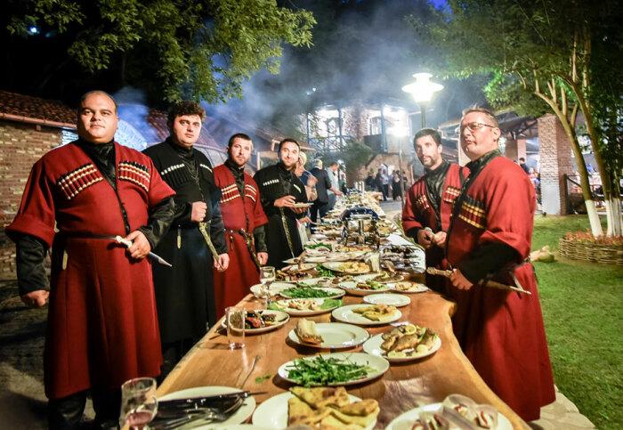 Грузинское гостеприимство передается поколениями /Фото: culture.ru