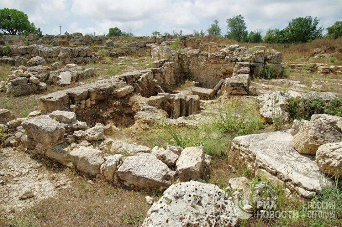 Культовое сооружение площадью 60 на 20 м было построено примерно 6 тысяч лет назад / Фото: www.stena.ee
