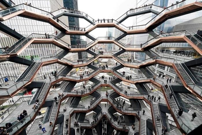 Смотровая площадка в Нью-Йорке Vessel в виде пчелиных сот / Фото: posta-magazine.ru