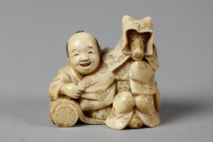 Нэцкэ «Токутаро и лис». / Фото: metmuseum.org