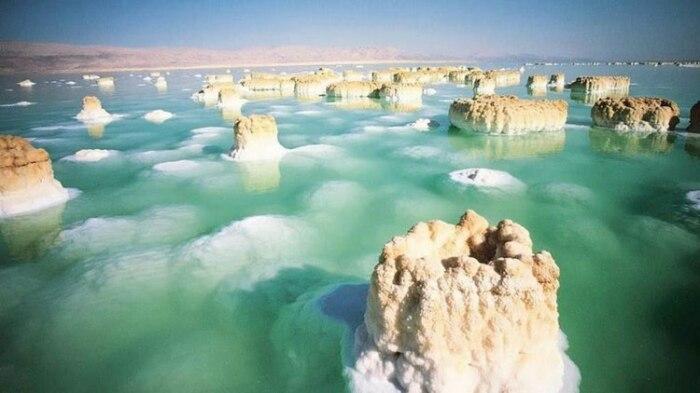 Соленые озера внутри материков могут быть подтверждением Великого потопа./Фото:suntravel.net.ua