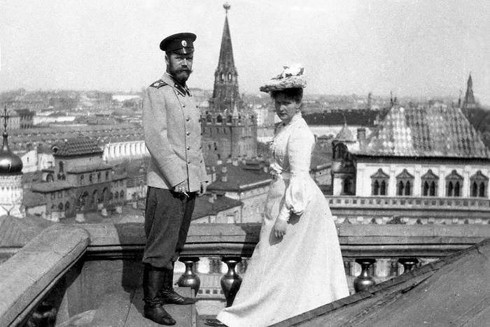 Николай II и императрица Александра Федоровна на крыше Большого Кремлевского дворца. 1903 год / Фото: history.com