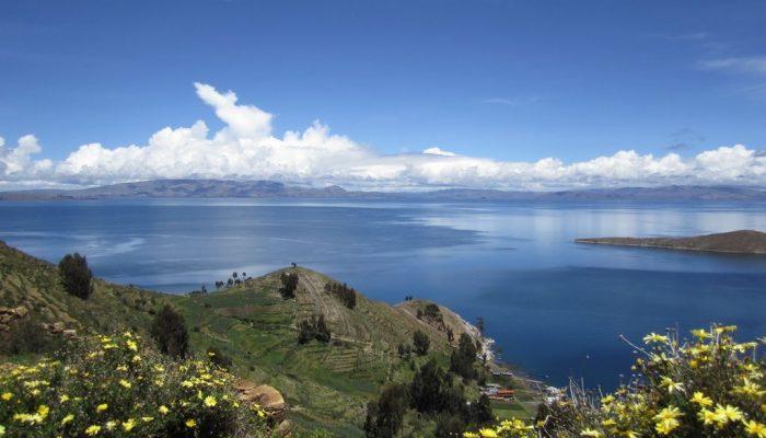 В чем особенность островов Солнца и Луны на озере Титикака/ Фото: awesomeworld.ru