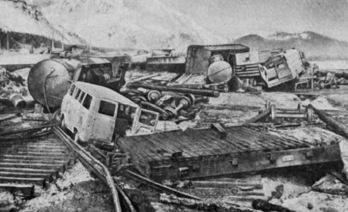 Последствия цунами в Северо-Курильске. 1952 год / Фото: eugene.kaspersky.com