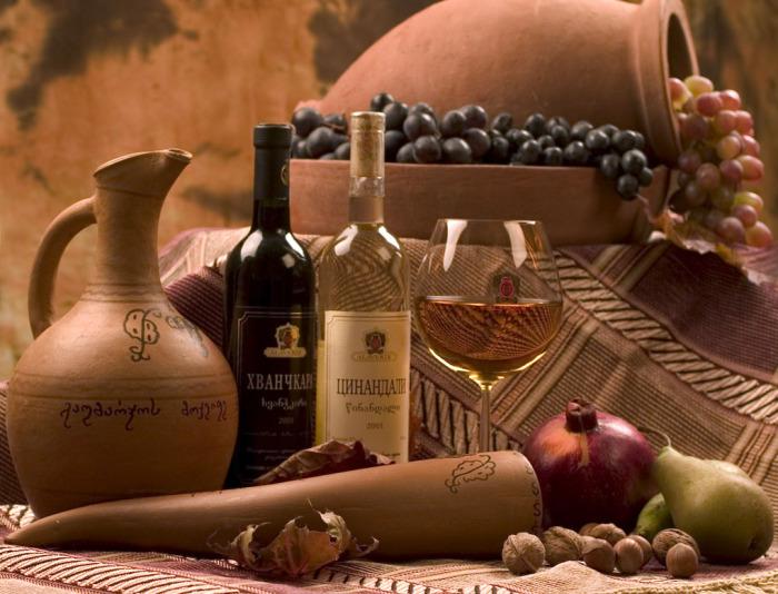Вино - всегда на грузинском столе  /Фото: culture.ru