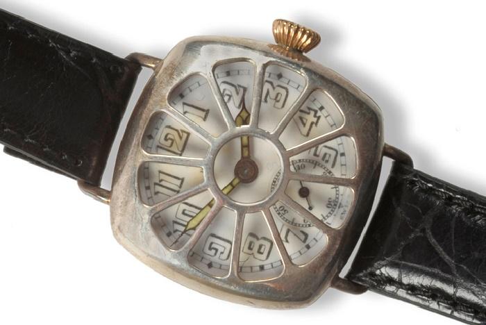 Наручные часы британского офицера времен Первой Мировой войны / Фото: mentalfloss.com
