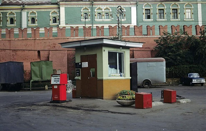 Валютная заправка в Москве, начало 1970-х годов / Источник: ngs-penza.ru