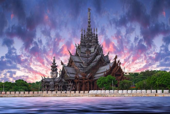 Храм из дерева / Фото: https://smartdastaapp.dasta.or.th