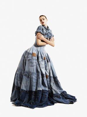 Платье из 42 пар джинсов Levi's