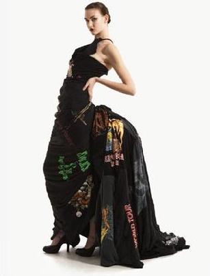 Платье из 37 черных футболок