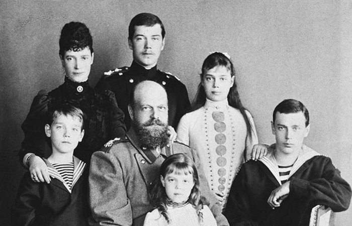 Император Александр III с семьей