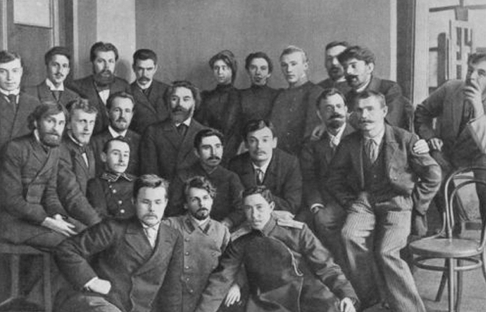 А.И.Куинджи с группой своих учеников, 1896 год.