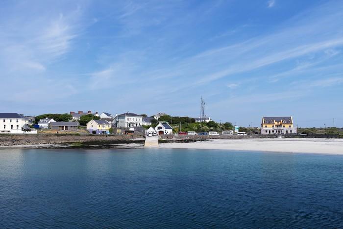 Остров Инишмор - это из самых больших гэлтахтов в Ирландии