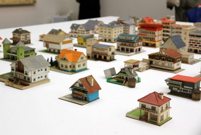 387 миниатюрных домов от Петера Фрица (Peter Fritz) на Венецианской биеннале 2013