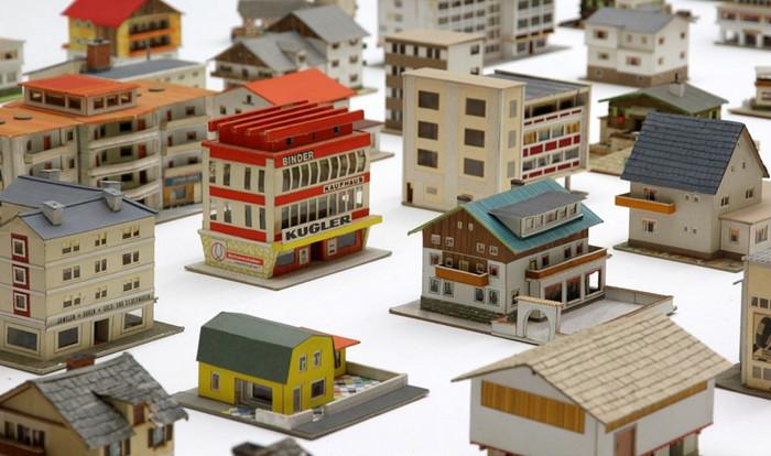 387 миниатюрных домов от