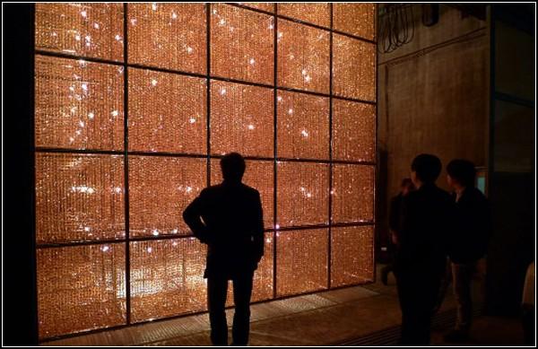 Cube Light: светящийся антибуржуазный куб от Ai Weiwei