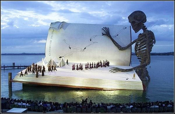 Оперный фестиваль на плавучей сцене в Брегенце