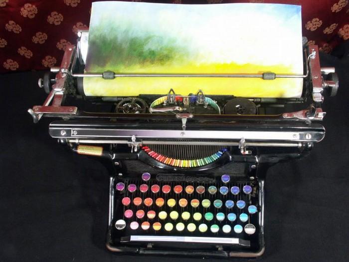 The Chromatic Typewriter - печатная машинка для рисования