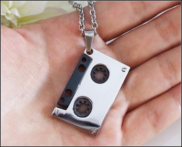 Ожерелье-аудиокассета