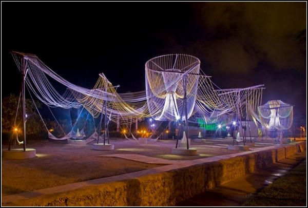Светящаяся инсталляция Exhale Pavilion в Майами