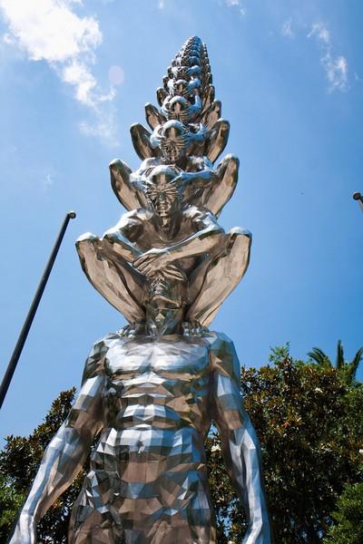 Karma – кармическая скульптура от До Хо Су (Do Ho Suh)
