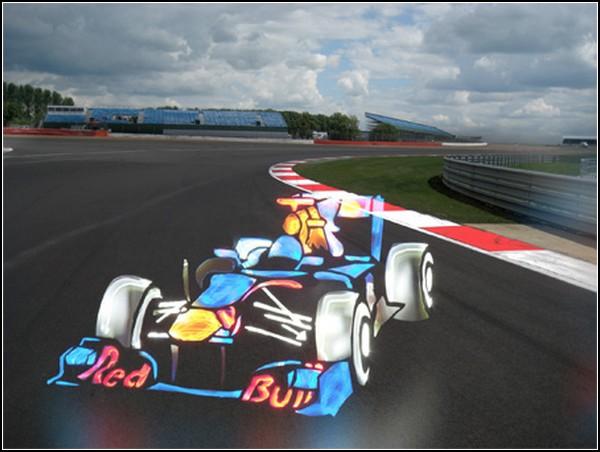Автомобили Formula 1, нарисованные светом