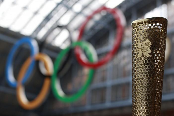 Олимпийский факел – лучший дизайн 2012 года