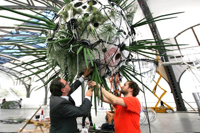 Города на облаках: выставка шаров от Томаса Сарацино (Tomas Saraceno)