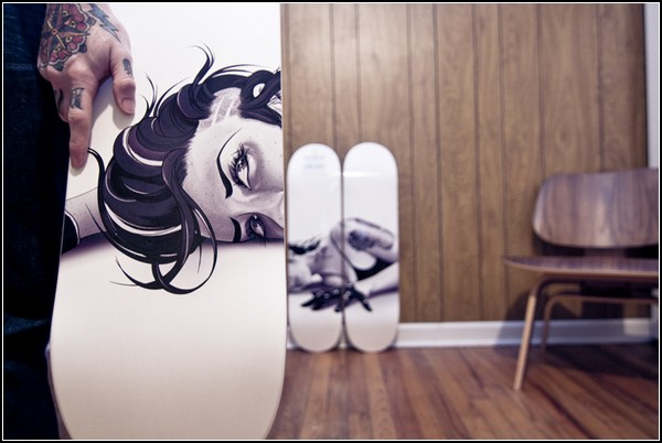 «Взрослая» живопись на скейтбордах от Тайсона МакАду (Tyson McAdoo)