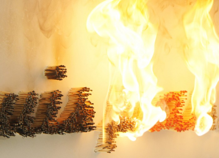 Le Pyromane — огненная инсталляция от Али Шерри (Ali Cherri)