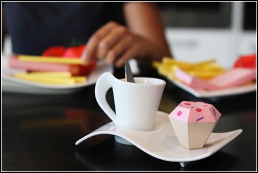Бумажная еда от Paper Donut