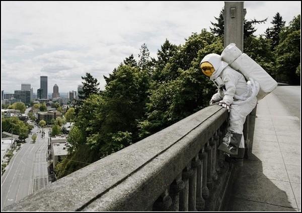 Astronaut Suicides от Нила Дакосты (Neil Dacosta)