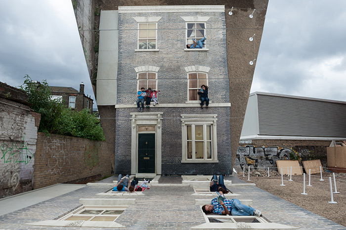Dalston House – зеркальные иллюзии от Леандро Эрлиха (Leandro Erlich)