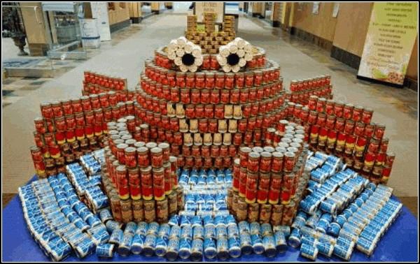 Canstruction: скульптуры из консервов в помощь голодающим