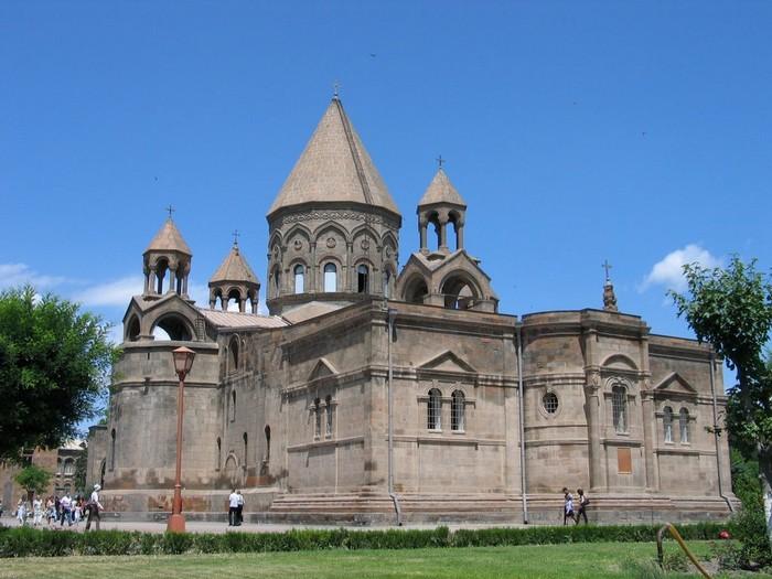 Кафедральный собор в Эчмиадзине