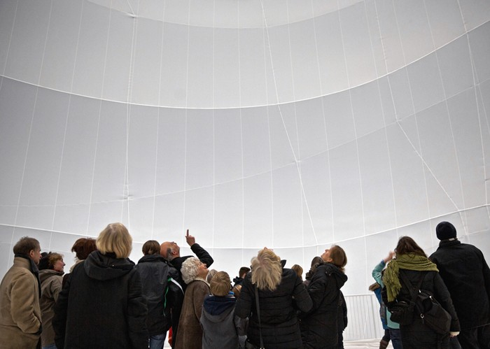 Big Air Package – тканевая инсталляция от Christo