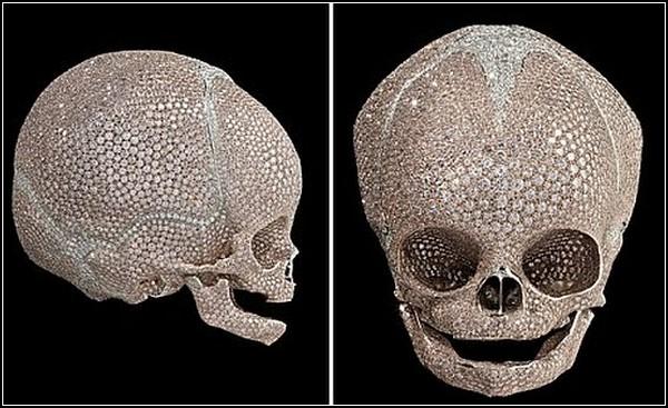 Драгоценный детский череп от Дэмьена Херста (Damien Hirst)