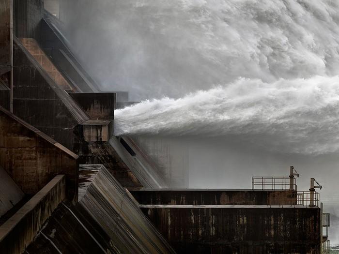 Плотина на Желтой реке в Китае. Выставка Water от Эдварда Буртынского (Edward Burtynsky)