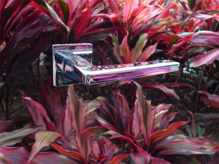 Дверные ручки в серии фотографий Esprit от Биргита Ломана (Birgit Lohmann)