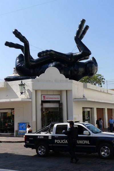 Дохлая муха (Mosca Muerta) — украшение Дня Мертвых в Мексике от Флорентина Хофмана (Florentijn Hofman)