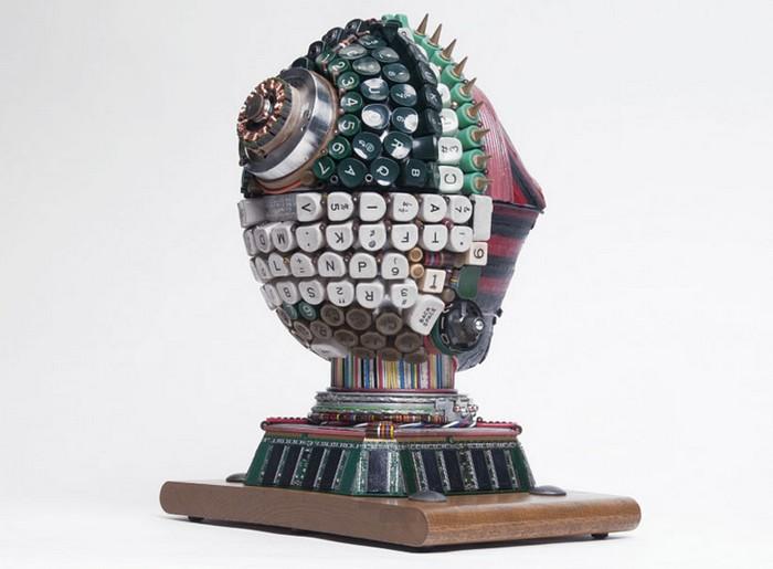 Pygmy – скульптура их старых устройств от Габриэля Дишоу (Gabriel Dishaw)