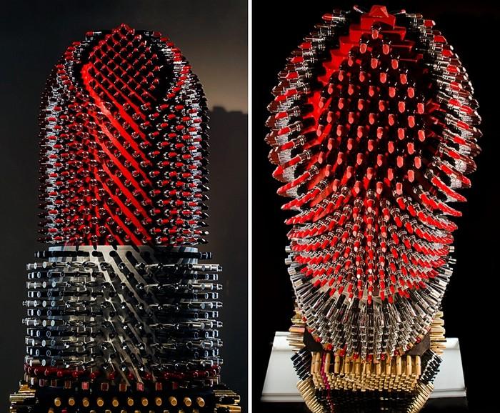 Giant Lipstick – гигантская помада из маленьких тюбиков. Работа Агне Кисонайте (Agne Kisonaite)