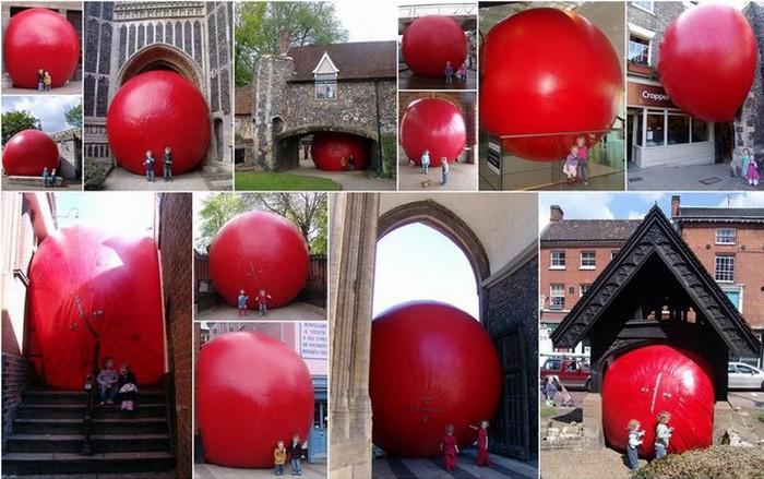 RedBall Project – путешествия Курта Першке (Kurt Perschke) с огромным красным шаром